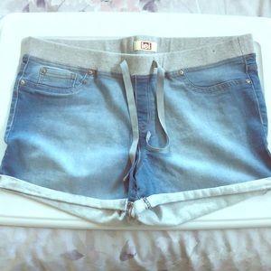 XL l.e.i drawstring shorts